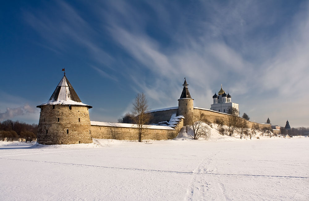 Snow in Russia Pskov sity